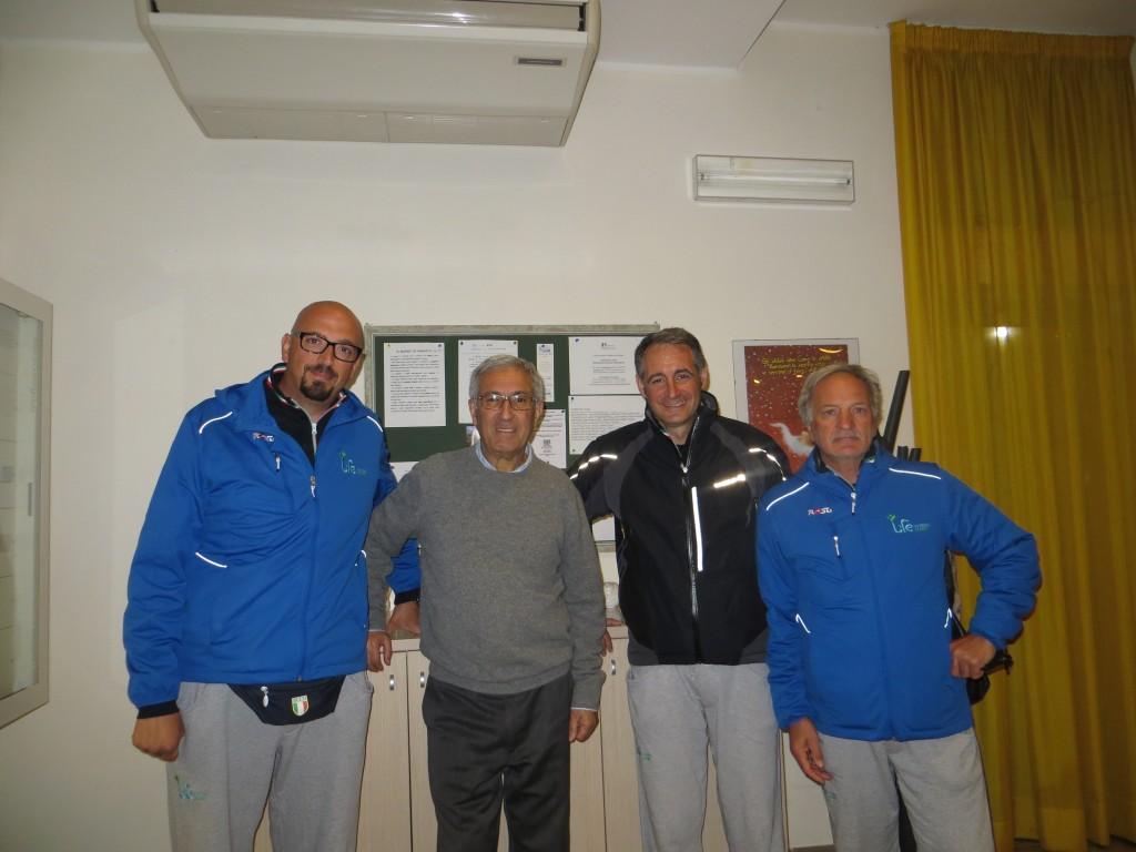 Gli accompagnatori insieme a don Ettore