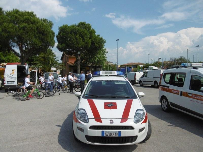 Preparazione per la partenza della biciclettata a Pieve a Nievole